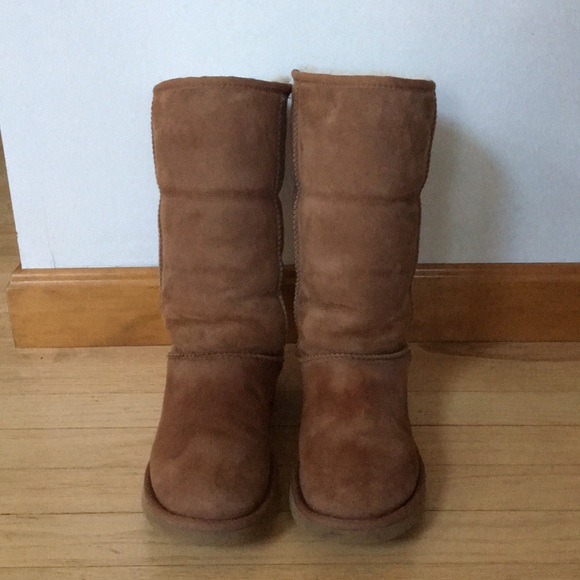 c1693676a85 🔸SOLD🔸UGG - Tall Chestnut